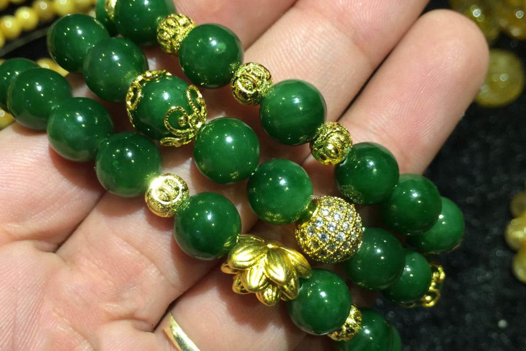 Chuỗi Vòng Ngọc Bích - Nephrite Jade Thiên Nhiên - Mix Vàng