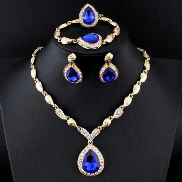 Bộ sưu tập trang sức vàng 10k tinh tế, lung linh, huyền ảo