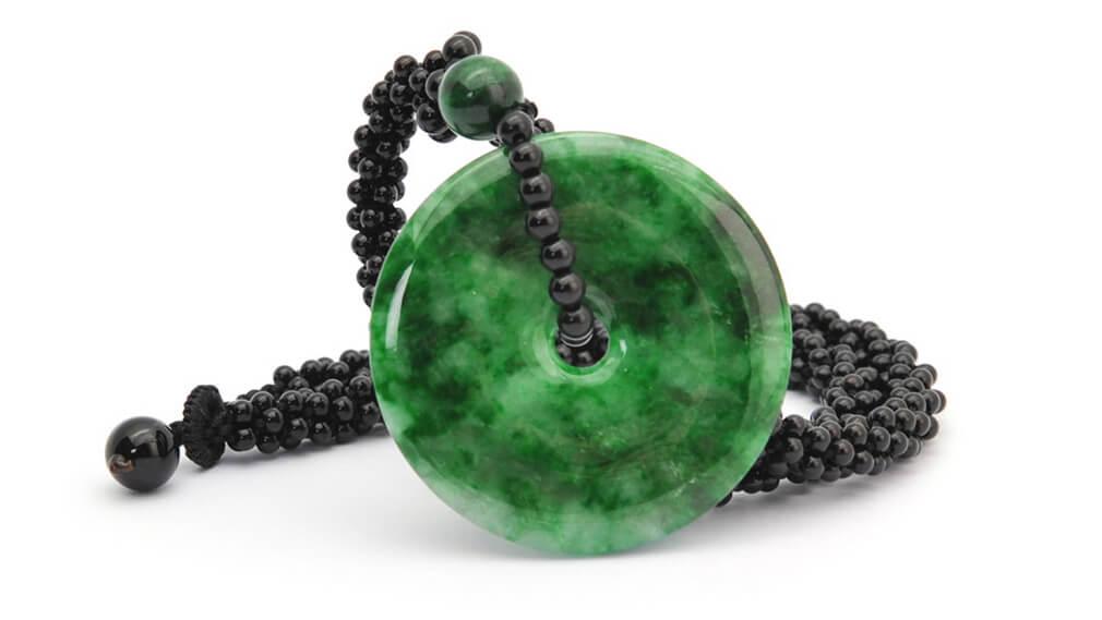 Hiện Nay Trên Thị Trường Quốc Tế, Jadeite được ưa Chuộng Và Có Giá Trị Cao