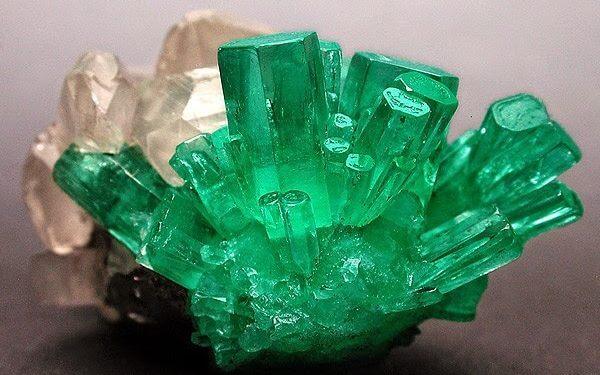 Emerald - Ngọc Lục Bảo Thô